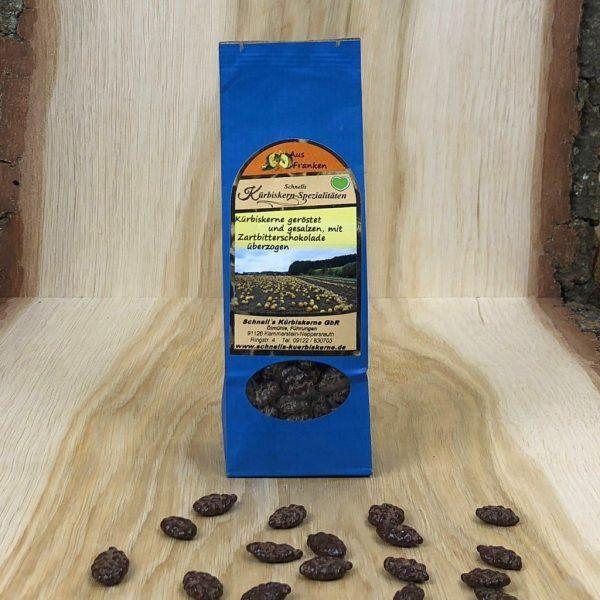 Kürbiskerne - geröstet, gesalzen und Zartbitterschokolade